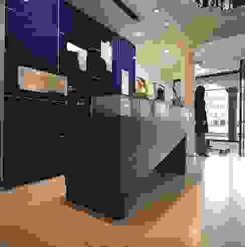 Oficinas y tiendas de estilo  por M A+D Menzo Architettura+Design