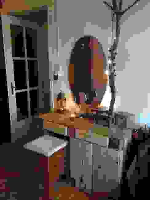 Schminktisch. Paletten und Waldholz, in Verwendung von palettenbett.com Rustikal