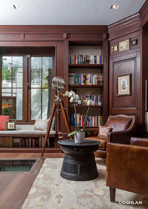 Classic style study/office by MARIANGEL COGHLAN Classic
