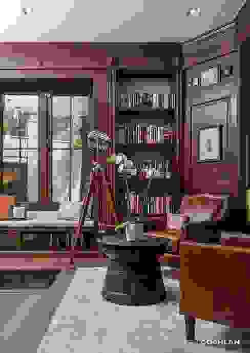 Ruang Studi/Kantor Klasik Oleh MARIANGEL COGHLAN Klasik