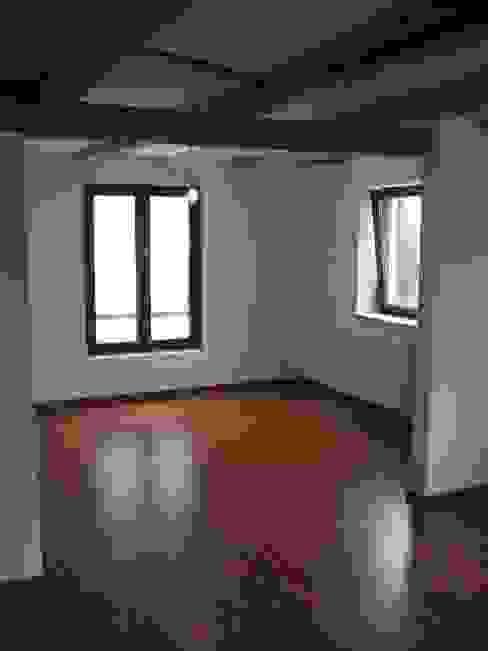 Sanierung Bauernhaus in Stuttgart Klassische Wohnzimmer von Kurt R. Hengstler GmbH Klassisch