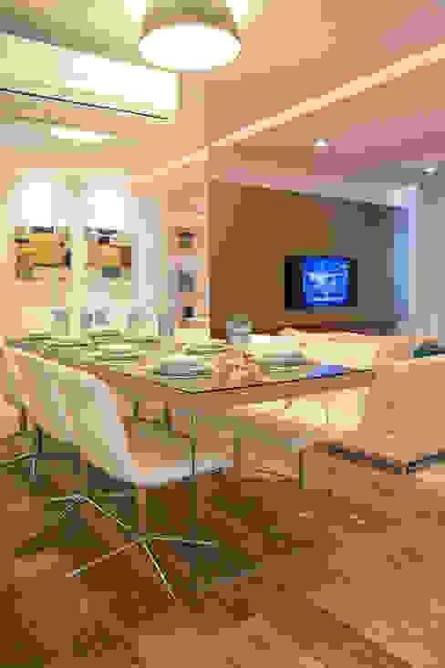 Apartamento Rio Branco Salas de jantar modernas por Bibiana Menegaz - Arquitetura de Atmosfera Moderno
