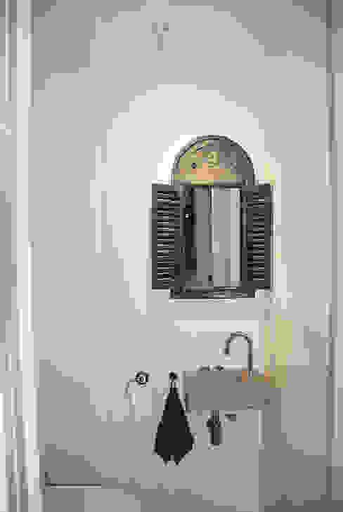 Toilet:  Badkamer door Puurbouwen
