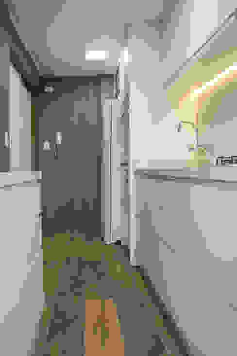 Кухня в стиле модерн от Bibiana Menegaz - Arquitetura de Atmosfera Модерн