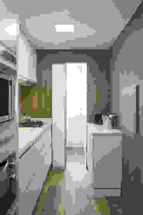 Moderne Küchen von Bibiana Menegaz - Arquitetura de Atmosfera Modern