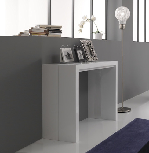 'New' console/extending dining table by Tomasucci di homify Moderno