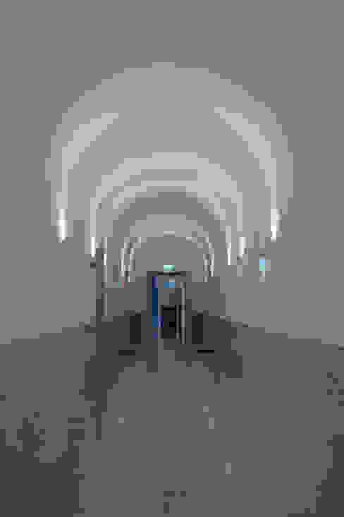 Hall Corredores, halls e escadas clássicos por Staging Factory Clássico