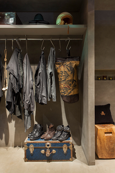 Eclectic style dressing rooms by Gabriela Pereira Eclectic