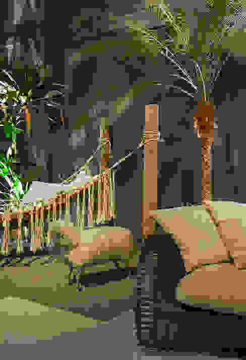 Eclectic style garden by Gabriela Pereira Eclectic