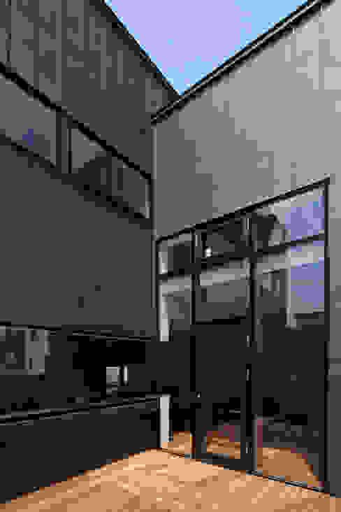 모던스타일 발코니, 베란다 & 테라스 by 一級建築士事務所 Atelier Casa 모던