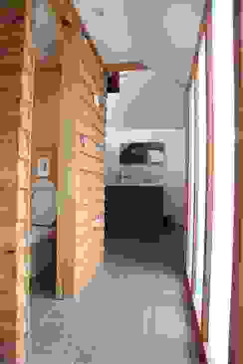 Riley House Modern bathroom by Innes Architects Modern