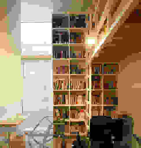 VORTEX CUBE ミニマルデザインの 書斎 の 畠中 秀幸 × スタジオ・シンフォニカ有限会社 ミニマル