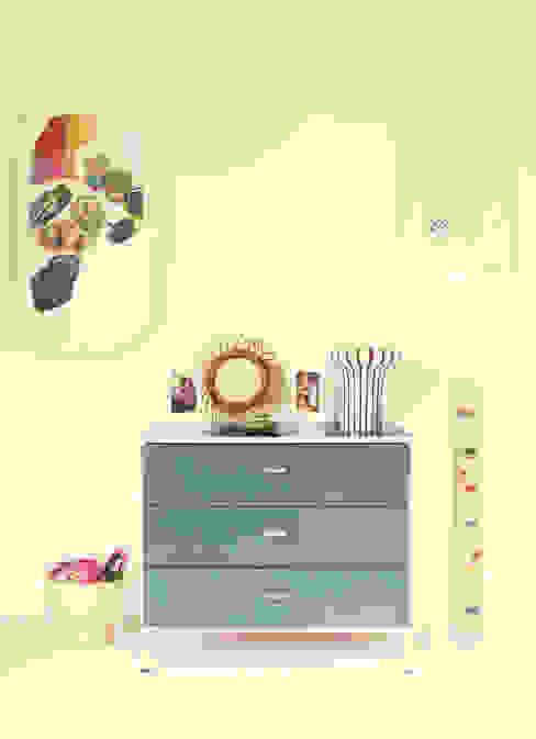 Maud et Gabriel Chambre d'enfant moderne par Ludlow Interior Moderne