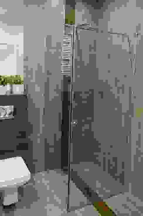 Minimalist style bathroom by Architektownia Minimalist