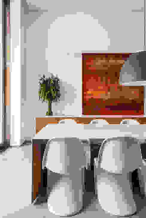 Comedores de estilo moderno de Felipe Bueno Arquitetura Moderno
