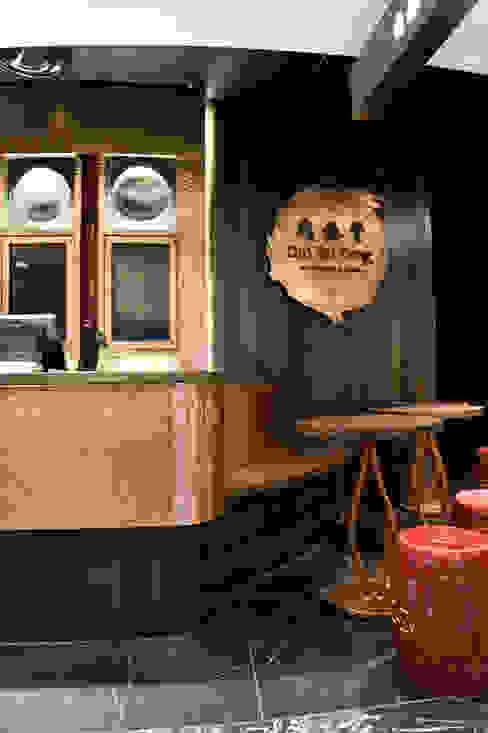 Dining room by METAL INTERIOR, Industrial Metal