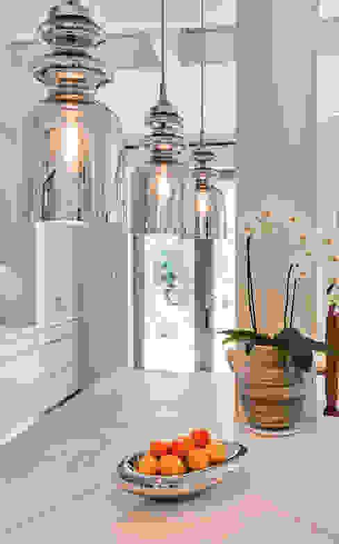 Style and Substance Studio Hopwood Modern kitchen