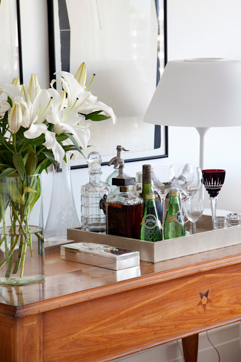 Aparador - bar por Angela Medrado Arquitetura + Design Eclético