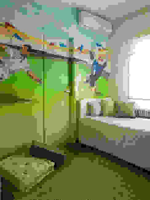 quarto de menino Quartos de criança modernos por Flávia Brandão - arquitetura, interiores e obras Moderno