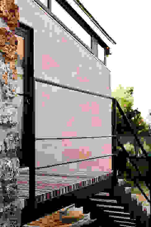 Escalier sur mesure Maisons minimalistes par Ket-Chup Minimaliste