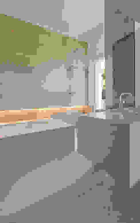 Villa C+N Bagno moderno di Sebastiano Canzano Architects Moderno