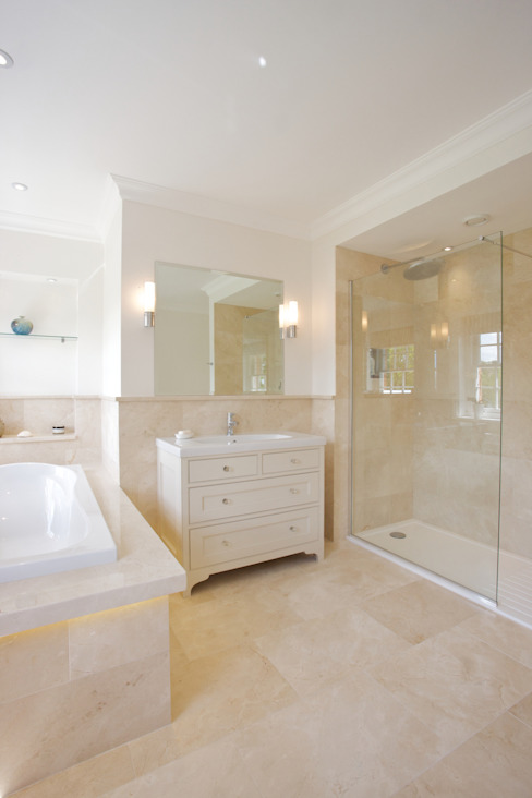 Crema Marfil Marble Grade A in a honed finish from Artisans of Devizes. Artisans of Devizes Classic style bathroom Marble Beige