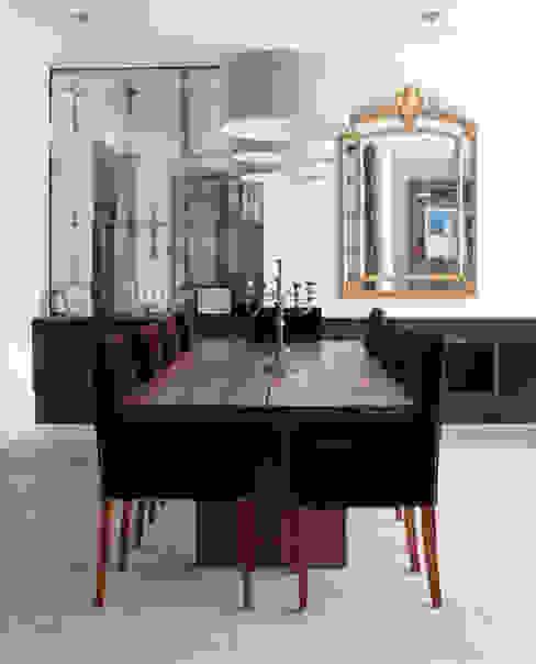 Dining room by Rupert Bevan Ltd,