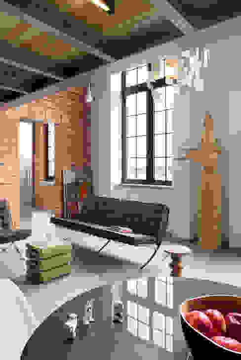Salones de estilo moderno de justyna smolec architektura & design Moderno