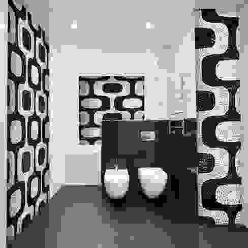 Decorazioni per bagno in stile mosaico. di Crearreda Moderno PVC