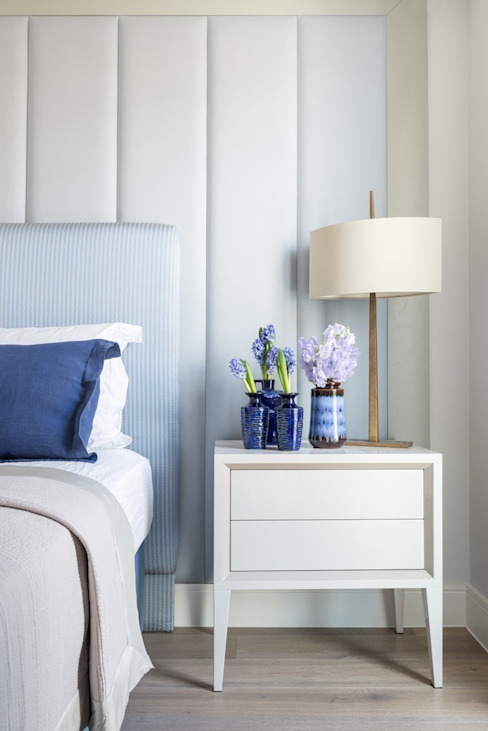 Upholstered headboard details: modern  by Mille Couleurs London, Modern