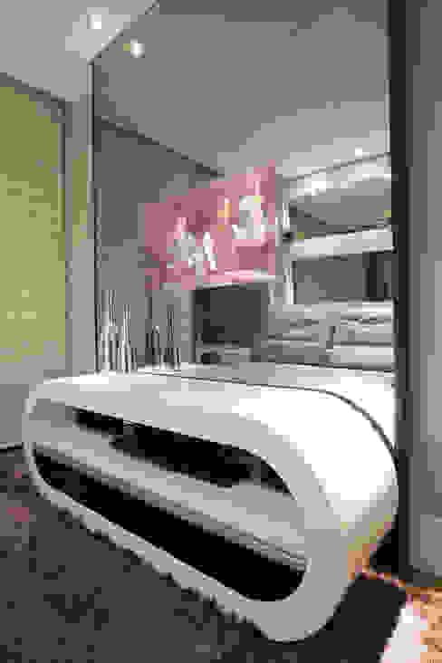 Apartamento Marrocos Salas multimídia modernas por Designer de Interiores e Paisagista Iara Kílaris Moderno
