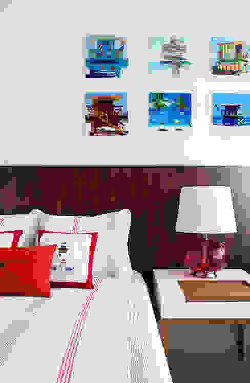Dormitório Quartos modernos por Infinity Spaces Moderno