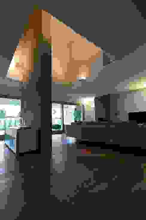 Villa urbana Soggiorno moderno di Paolo Carli Moretti Architetto Moderno