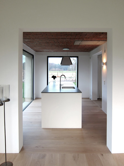Tibbensteeg Hoonhorst:  Keuken door Tim Versteegh Architect,