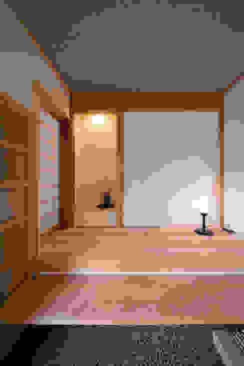 木造伝統工法のA邸: 建築設計事務所 山田屋が手掛けた壁です。,オリジナル