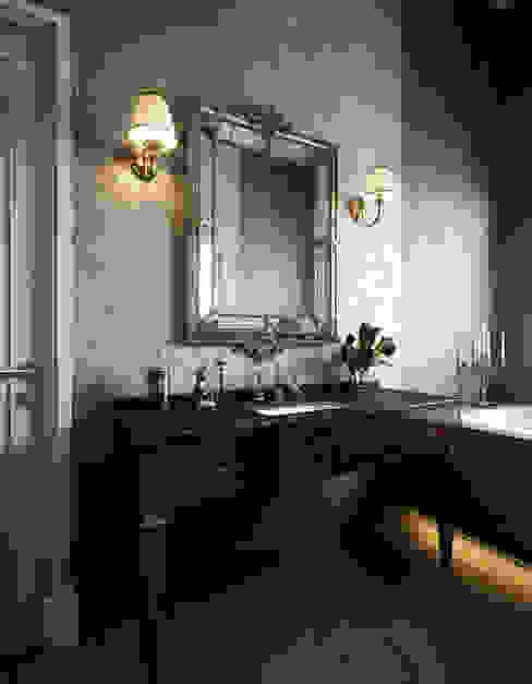 Klasyczna łazienka od Sergey Artiomov Klasyczny Płytki