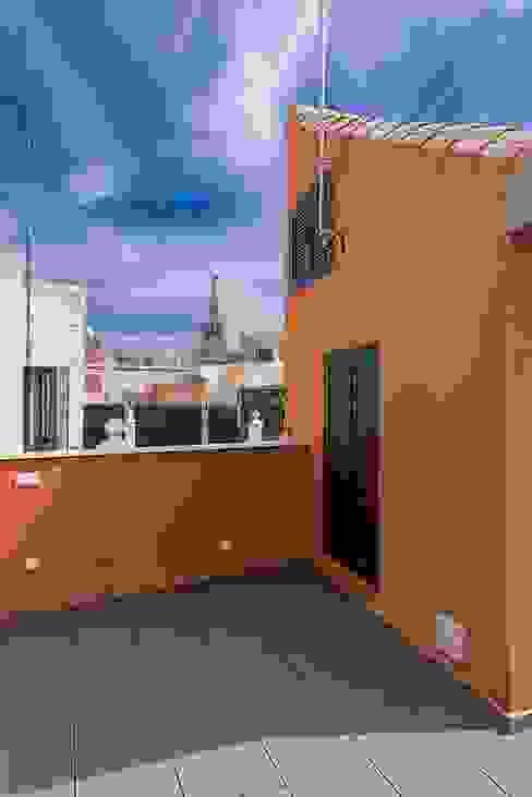 Balcon, Veranda & Terrasse modernes par Ardes Arquitectos Moderne