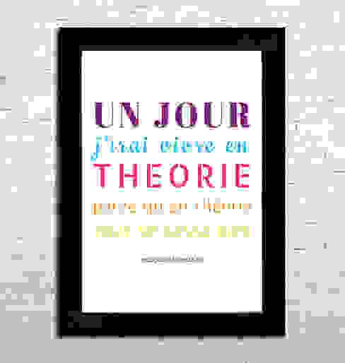 """Affiche A4 - """"Un jour j'irai vivre en théorie parce qu'en théorie tout se passe bien"""" (couleur) par homify Minimaliste"""