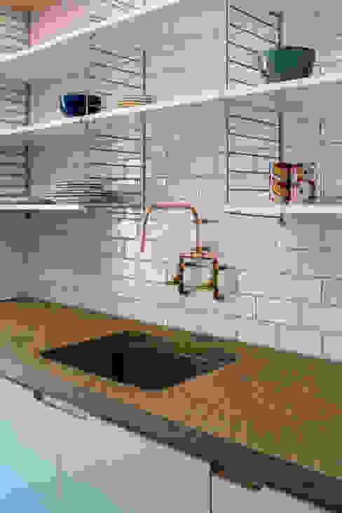 House of Trace Cozinhas minimalistas por TSURUTA ARCHITECTS Minimalista
