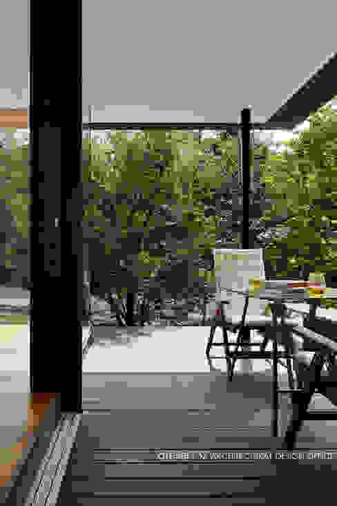 024軽井沢Hさんの家 クラシックデザインの テラス の atelier137 ARCHITECTURAL DESIGN OFFICE クラシック