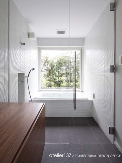 Bathroom by atelier137 ARCHITECTURAL DESIGN OFFICE, Modern Tiles