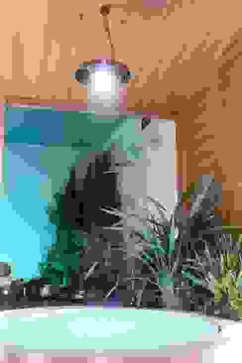 Baños de estilo tropical de Design by Torsten Müller Tropical