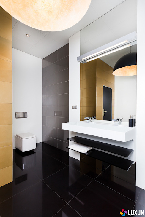 Minimalist bathroom from Luxum من Luxum تبسيطي