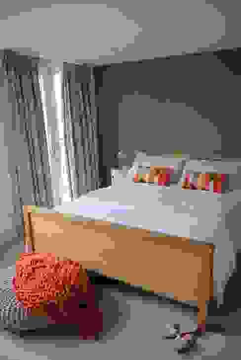 A contemporary London family home Chambre moderne par Otta Design Moderne