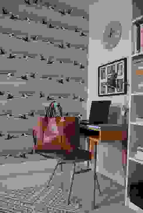 A contemporary London family home Oficinas de estilo moderno de Otta Design Moderno