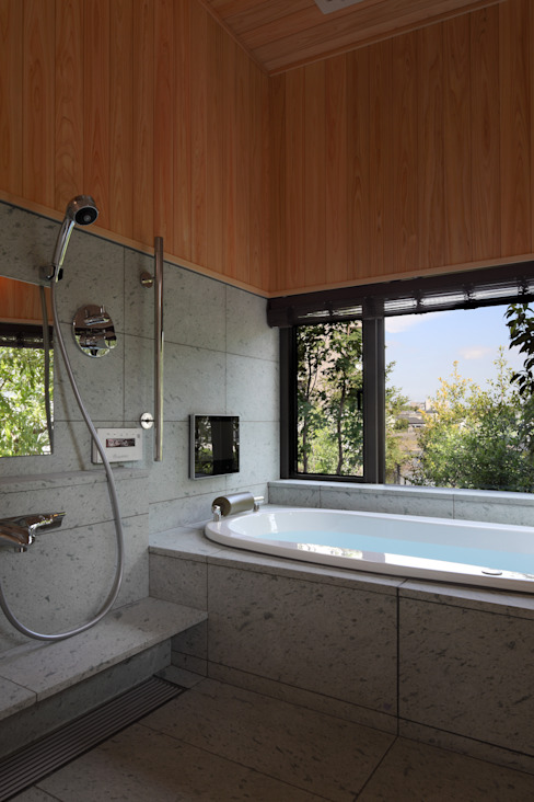 Modern style bathrooms by TAMAI ATELIER Modern