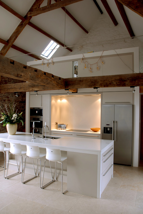 Coldbrook Farm, Monmouthshire Country style kitchen by Hall + Bednarczyk Architects Country