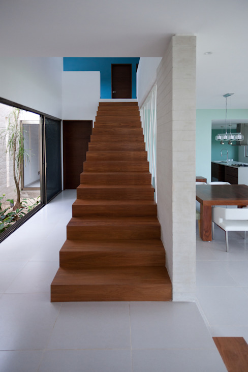 Modern Corridor, Hallway and Staircase by TAFF Modern