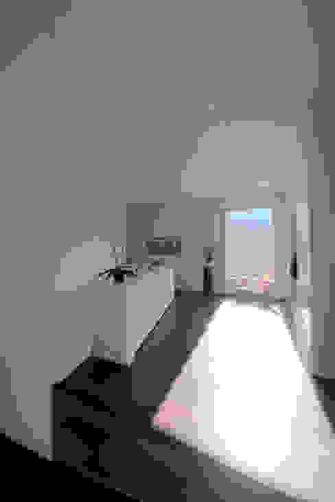 Einfamilienhaus Moderner Flur, Diele & Treppenhaus von rgp architekten sia ag Modern