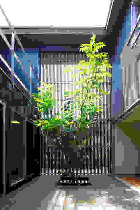 Modern style gardens by アトリエ イデ 一級建築士事務所 Modern